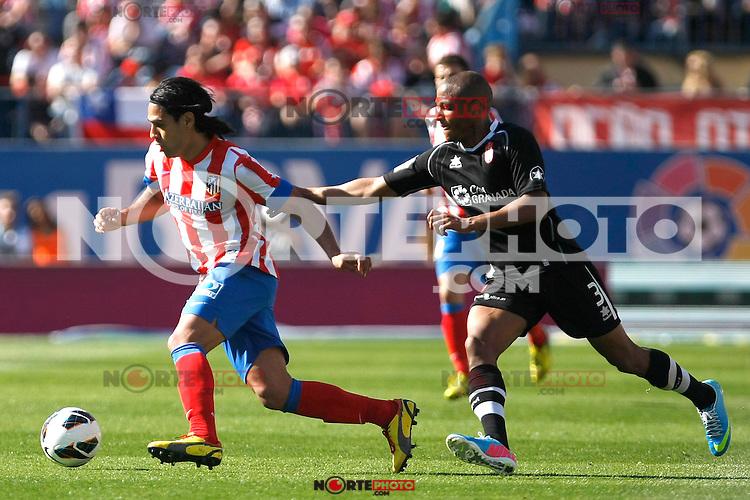 Atletico's Falcao and Granada's Brahimi during La Liga BBVA match. April 14, 2013.(ALTERPHOTOS/Alconada)
