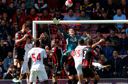 17.04.2016. Vitality Stadium, Bournemouth, England. Barclays Premier League. Bournemouth versus Liverpool. Liverpool keeper Danny Ward defends a corner as Bournemouth press for a late equaliser.