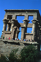 ASWAN- EGIPTO- 17-04-2007. Pabellón de Trajano del templo Philae. Hall of Trajan Philae Temple. (Photo: VizzorImage)...