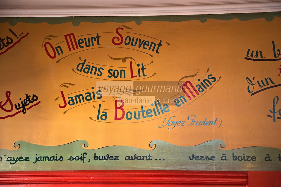 Europe/France/Bretagne/35/Ille et Vilaine/Rennes: Brasserie: La Chope - Fresque avec ses dictons peints sur les murs