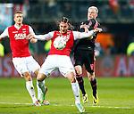 Nederland, Alkmaar, 27 maart 2014<br /> KNVB Beker<br /> Seizoen 2013-2014<br /> Halve finale<br /> AZ-Ajax<br /> Nemanja Gudelj (l.) van AZ en Davy Klaassen (r.) van Ajax strijden om de bal.