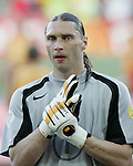 Fussball INTERNATIONAL EURO 2004 Spanien 1-0 Russland RUS Torwart Sergey Ovchinnikov