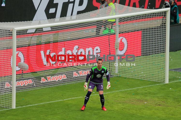 16.05.2015 Volkswagen Arena, Wolfsburg, GER, 1.FBL, VfL Wolfsburg vs Borussia Dortmund, im Bild <br /> <br /> WOB TW Diego Benaglio #1<br /> <br /> Foto &copy; nordphoto / Rust