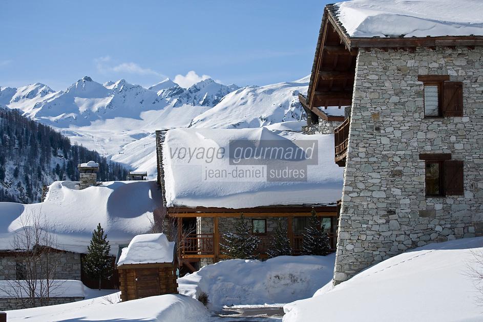 Europe/France/73/Savoie/Val d'Isère: Hameau du Fornet en fond la chaine de Bellevarde- Chalets