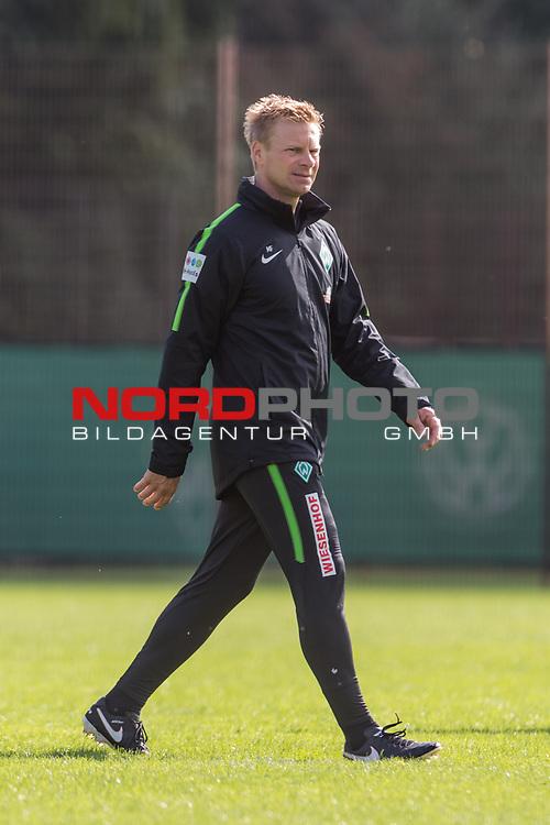 20.08.2017, Trainingsgelaende, Bremen, GER, 1.FBL, Training SV Werder Bremen<br /> <br /> im Bild<br /> Markus Feldhoff (Co-Trainer SV Werder Bremen), <br /> <br /> Foto &copy; nordphoto / Ewert