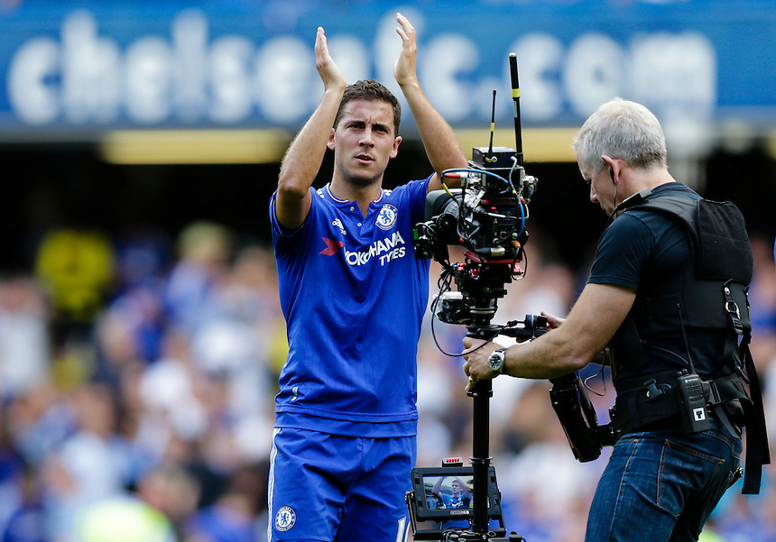 Chelsea's Eden Hazard acknowledges the home fans at full time<br /> <br /> Photographer Craig Mercer/CameraSport<br /> <br /> Football - Barclays Premiership - Chelsea v Arsenal - Saturday 19th September 2015 - Stamford Bridge - London<br /> <br /> &copy; CameraSport - 43 Linden Ave. Countesthorpe. Leicester. England. LE8 5PG - Tel: +44 (0) 116 277 4147 - admin@camerasport.com - www.camerasport.com