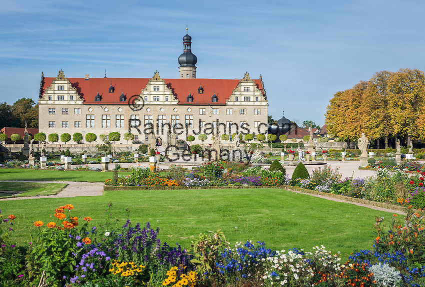 Germany, Baden-Wuerttemberg, Tauber Valley, Weikersheim: Weikersheim Castle with donjon and Gardens | Deutschland, Baden-Wuerttemberg, Taubertal, Weikersheim: Schloss Weikersheim mit Bergfried und Park