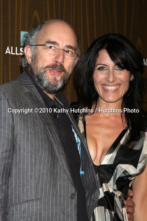 Richard Schiff & Lisa Edelstein.arriving at the 2010 Winter Fox TCA Party .Villa Sorisso Resturant.Pasadena, CA.January 11, 2010.©2010 Kathy Hutchins / Hutchins Photo....