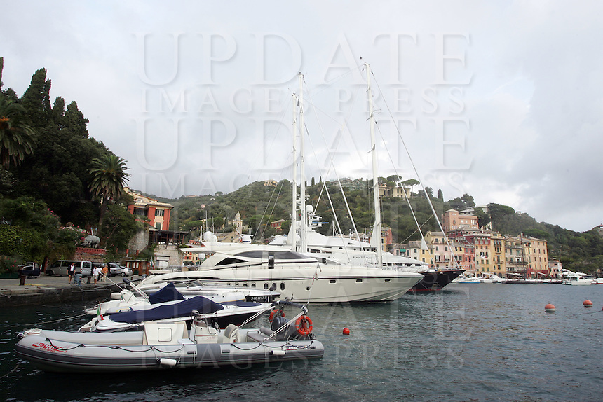 Yachts ormeggiati nel porto di Portofino.<br /> Moored yachts in the harbour of Portofino, Liguria, Northern Italy.<br /> UPDATE IMAGES PRESS/Riccardo De Luca