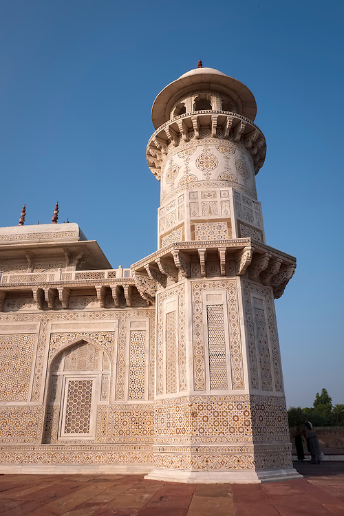 The tomb of Itmad-Ud-Daulah, in Agra, was the first building to be finished in white marble.