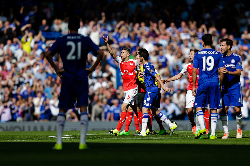 Arsenal's Gabriel Paulista protests after getting a red card<br /> <br /> Photographer Craig Mercer/CameraSport<br /> <br /> Football - Barclays Premiership - Chelsea v Arsenal - Saturday 19th September 2015 - Stamford Bridge - London<br /> <br /> &copy; CameraSport - 43 Linden Ave. Countesthorpe. Leicester. England. LE8 5PG - Tel: +44 (0) 116 277 4147 - admin@camerasport.com - www.camerasport.com