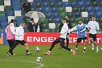 Sandro Wagner (Deutschland, Germany) gegen Joshua Kimmich (Deutschland, Germany) - 04.10.2017: Deutschland Abschlusstraining, Windsor Park Belfast