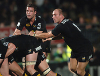 2005/06 Powergen Cup, London Wasps vs Cardiff Blues,  Wasps'S England back row players, left, Joe Worsley and Lawrence Dallaglio.  Causeway Stadium, Wycome, ENGLAND, 07.10.2005   © Peter Spurrier/Intersport Images - email images@intersport-images..   [Mandatory Credit, Peter Spurier/ Intersport Images].