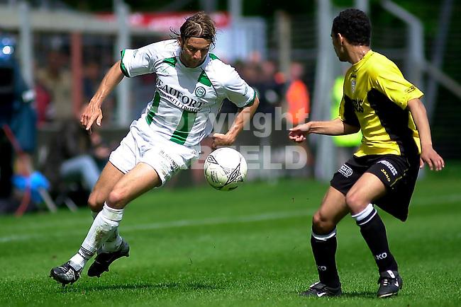 FC Groningen - NAC Holland Casino Eredivsie seizoen 2002-2003 27-04-2003 landerl  in duel met gudelj