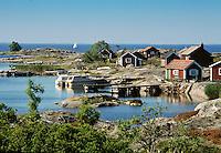 Faluröda fiskebodar på Ut-Fredel i Stockholms skärgård/ Stockholm archipelago Sweden