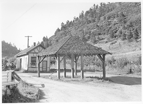 MT depot and passenger shelter at Green Mountain Falls.<br /> Midland Terminal  Green Mountain Falls, CO