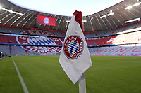 16.08.2019, Fussball 1. Bundesliga 2019/2020, 1.Spieltag, FC Bayern M¸nchen - Hertha BSC Berlin, in der Allianzarena M¸nchen. Eckfahne der Bayern mit dem Vereinslogo. ***DFL and DFB regulations prohibit any use of photographs as image sequences and/or quasi-video.*** *** 16 08 2019, Football 1 Bundesliga 2019 2020, 1 matchday, FC Bayern Munich Hertha BSC Berlin, in the Allianzarena Munich Bayern corner flag with the club logo DFL and DFB regulations prohibit any use of photographs as image sequences and or quasi video  <br /> Bundesliga<br /> Foto Imago/Insidefoto <br /> ITALY ONLY