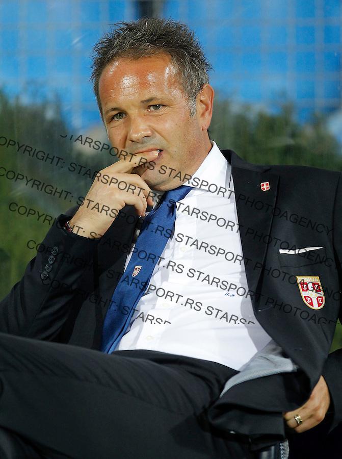 Fudbal Soccer<br /> World Cup 2014 qualifiers match<br /> Serbia v Macedonia<br /> Head coach Sinisa Mihajlovic<br /> Jagodina, 15.10.2013.<br /> foto: Srdjan Stevanovic/Starsportphoto &copy;
