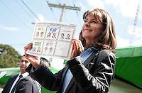 BOGOTA -COLOMBIA. 25-05-2014. Martha Lucía Ramírez, candidata presidencial colombiana por el partido  conservador ejerce su derecho al voto en Bogotá durante la jornada de elecciones Presidenciales en en Colombia que se realizan hoy 25 de mayo de 2014 en todo el país./ Martha Lucia Ramirez, presidential colombian canditate by Conservative Party exerts their right to vote Bogota  during the day of Presidential elections in Colombia that made today May 25, 2014 across the country. Photo: VizzorImage / Andres Pedraza / Campaña MLR