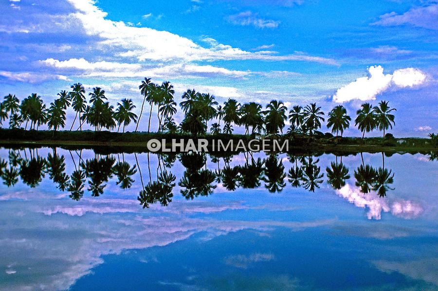 Lagoa em Arembepe, Bahia. 1975. Foto de Juca Martins.