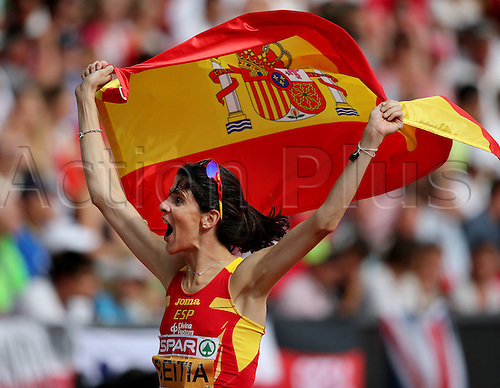 17.08.2014. Zurich, Switzerland. European Athletics Championships 2014 at the Letzigrund stadium in Zurich, Switzerland. High jump Ruth Beitia ESP celebrates her European Championship title with National flag