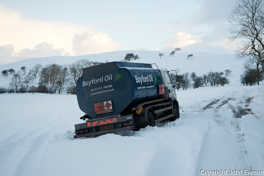 Bayford Oil fuel tanker stuck in snow, Whitewell, Lancashire