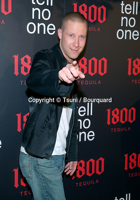"""Michael Rosenbaum arriving """"At Tell No One, talent party promoting the 1800 Tequila""""  at the Chatau Marmont in Los Angeles. May, 2nd 2002.            -            RosenbaumMichael10A.jpg"""