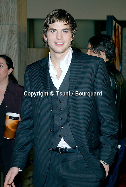 "Ashton Kutcher arriving the premiere of "" Just Married"" at the Pacific Cinerama Dome in Los Angeles. January 8, 2003.          -            KutcherAshton50.jpg"