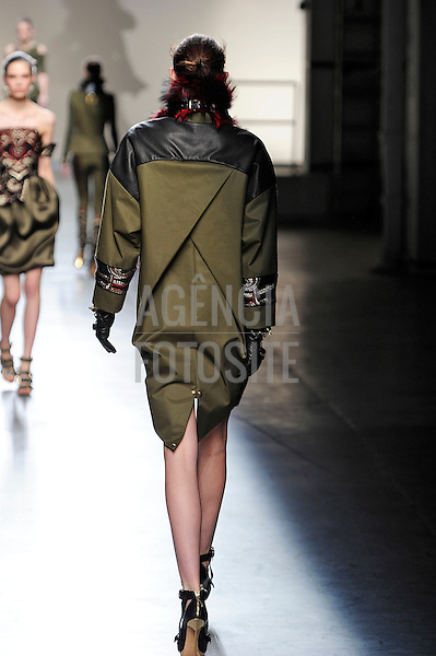 New York, EUA &ndash; 09/02/2013 - Desfile de Prabal Gurung durante o New York Fashion Week - Inverno 2013. <br /> Foto: Firstview/FOTOSITE