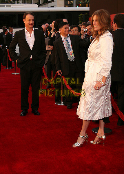 TOM HANKS & RITA WILSON.Sony Global Marketing Partners? Conference Closing Celebration on Rodeo Drive, Beverly Hills, California, USA, 29 September 2006..full length red carpet married husband wife white mac coat belted .Ref: ADM/BP.www.capitalpictures.com.sales@capitalpictures.com.©Byron Purvis/AdMedia/Capital Pictures.