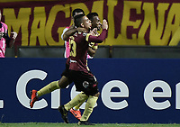 IBAGUE - COLOMBIA, 24-04-2019: Alex Castro del Tolima celebra después de anotar el primer gol de su equipo durante partido por la ronda 4, grupo G, de la Copa CONMEBOL Libertadores 2019 entre Deportes Tolima de Colombia y Boca Juniors de Argentina jugado en el estadio Manuel Murillo Toro de la ciudad de Ibagué. / Alex Castro of Tolima celebrates after scoring the first goal of his team during as part of round 4, group G, of Copa CONMEBOL Libertadores 2019 between Deportes Tolima of Colombia and Boca Juniors of Argentina played at Manuel Murillo Toro stadium in Ibague city. Photo: VizzorImage / Alejandro Rosales / Cont