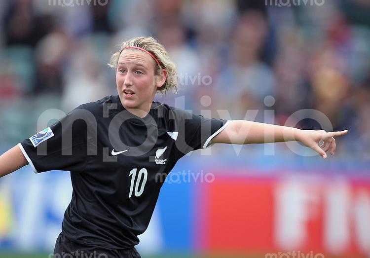 Fussball Frauen FIFA U 17  Weltmeisterschaft 2008    01.11.2008 Neuseeland - Daenmark  Annalie Longo (NZL) zeigt