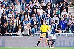Stockholm 2014-04-27 Fotboll Allsvenskan Djurg&aring;rdens IF - IF Brommapojkarna :  <br /> Djurg&aring;rden supportrar protesterar mot assisterande domare Per Brogevik , assisterande domare Tobias W&auml;rn <br /> (Foto: Kenta J&ouml;nsson) Nyckelord:  Djurg&aring;rden DIF Tele2 Arena Brommapojkarna BP diskutera argumentera diskussion argumentation argument discuss arg f&ouml;rbannad ilsk ilsken sur tjurig angry supporter fans publik supporters domare referee ref