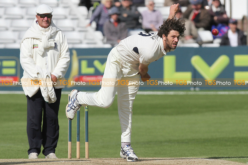 Chalie Shreck in bowling action for Kent - Essex CCC vs Kent CCC - LV County Championship Division Two Cricket at the Ford County Ground, Chelmsford, Essex - 11/05/12 - MANDATORY CREDIT: Gavin Ellis/TGSPHOTO - Self billing applies where appropriate - 0845 094 6026 - contact@tgsphoto.co.uk - NO UNPAID USE.