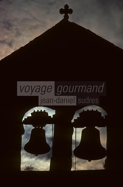 Europe/France/Limousin/Corrèze/Plateau de Millevaches/Saint Merd les Oussines - Détail du clocher à peigne
