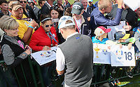 Andy Sullivan (Team Europe) signing autographs during Thursday's Practice Round ahead of The 2016 Ryder Cup, at Hazeltine National Golf Club, Minnesota, USA.  29/09/2016. Picture: David Lloyd | Golffile.