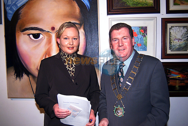 Mayor Malachy Godfrey with Ann Eagleton at The Madame Le Worthy Amateur Art Exhibition at The Drogheda Arts Centre...Pic Tony Campbell Newsfile