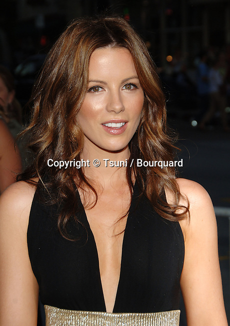 Kate Beckinsale arriving at the CLICK Premiere at the Westwood Village Theatre in Los Angeles. June 14, 2006.