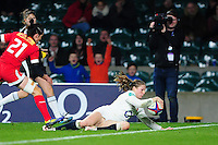 Lydia Thompson of England scores a try. Old Mutual Wealth Series International match between England Women and Canada Women on November 26, 2016 at Twickenham Stadium in London, England. Photo by: Patrick Khachfe / Onside Images