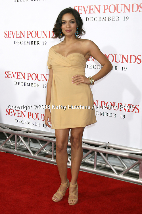 "Rosario Dawson arriving at the Premiere of ""Seven Pounds"" at the Mann's Village Theater in Westwood, CA on December 15, 2008.©2008 Kathy Hutchins / Hutchins Photo..                ."