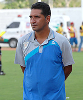 MONTERIA - COLOMBIA - 12-04-2015: Carlos Castro técnico de Jaguares FC durante partido entre Jaguares FC y Atlético Nacional por la fecha 15 de la Liga Aguila I 2015 jugado en el estadio Municipal de Monteria. / Carlos Castro coach of Jaguares FC during a match between Jaguares FC and Atletico Nacional for the  date 15 of the Liga Aguila I 2015 at the Municipal de Monteria Stadium in Monteria city, Photo: VizzorImage / Jose Perdomo / Cont.