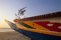 Afrique/Afrique de l'Ouest/Sénégal/Parc National de Basse-Casamance/Cap Skirring : Détail pirogue de pêcheur
