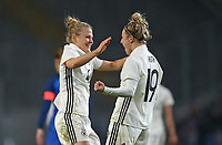 24.11.2017, Football Frauen Laenderspiel, Germany - France, in der SchuecoArena Bielefeld. Jubel  Leonie Maier (Germany) und  Svenja Huth (Germany) celebrates scoring to 4:0 *** Local Caption *** © pixathlon +++ tel. +49 - (040) - 22 63 02 60 - mail: info@pixathlon.de<br />
