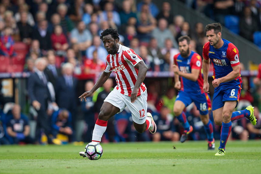 Stoke City's Wilfried Bony in action<br /> <br /> Photographer Craig Mercer/CameraSport<br /> <br /> The Premier League - Crystal Palace v Stoke City - Sunday September 18th 2016 - Selhurst Park - London<br /> <br /> World Copyright &copy; 2016 CameraSport. All rights reserved. 43 Linden Ave. Countesthorpe. Leicester. England. LE8 5PG - Tel: +44 (0) 116 277 4147 - admin@camerasport.com - www.camerasport.com