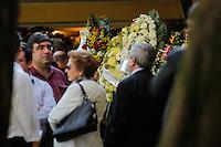 SAO PAULO,SP, 03.08.2015 - VELORIO-ICAMI - Familiares e amigos acompanham o velório do psiquiatra, educador e escritor Içami Tiba no Cemiterio do Morumby, zona sul de São Paulo nesta segunda-feira (3). Tiba morreu em São Paulo às 19h no ultimo domingo (2).(Foto: Douglas Pingituro / Brazil Photo Press)