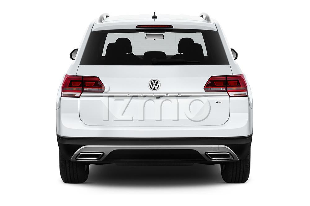 Straight rear view of a 2018 Volkswagen Atlas S 5 Door SUV stock images