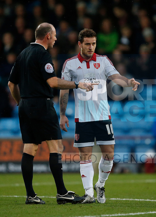 Billy Sharp of Sheffield Utd talk to the referee - English League One - Scunthorpe Utd vs Sheffield Utd - Glandford Park Stadium - Scunthorpe - England - 19th December 2015 - Pic Simon Bellis/Sportimage