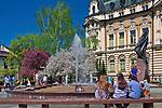 Fontanna na rynku w Nowym Sączu, Polska<br /> Fountain on the market square in Nowy Sącz, Poland
