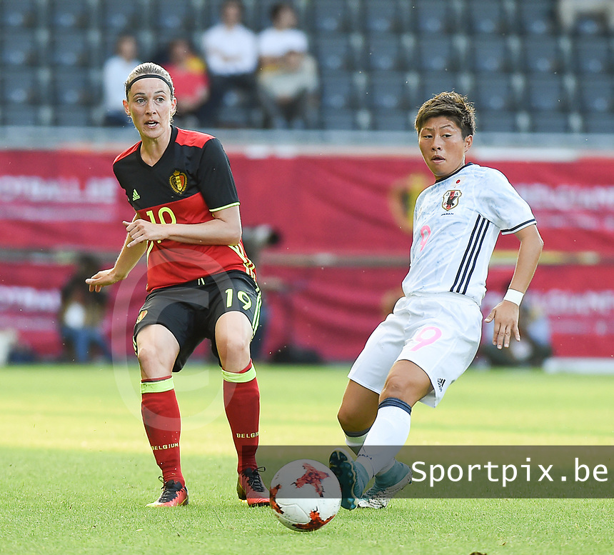 20170613 - LEUVEN ,  BELGIUM : Belgian Imke Courtois (L) and Japanese Kumi Yokoyama (R) pictured during the female soccer game between the Belgian Red Flames and Japan , a friendly game before the European Championship in The Netherlands 2017  , Tuesday 13 th Juin 2017 at Stadion Den Dreef  in Leuven , Belgium. PHOTO SPORTPIX.BE | DIRK VUYLSTEKE