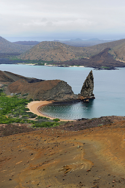 Sullivan Bay and Pinnacle Rock, Bartolomé Island, Galapagos Islands, Ecuador, South America
